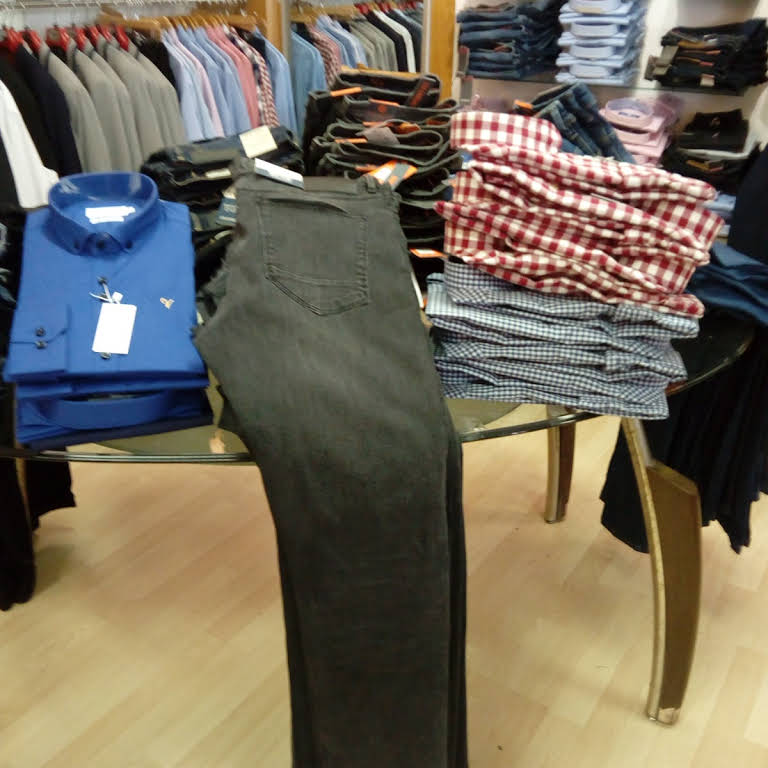 Mixed clothes display