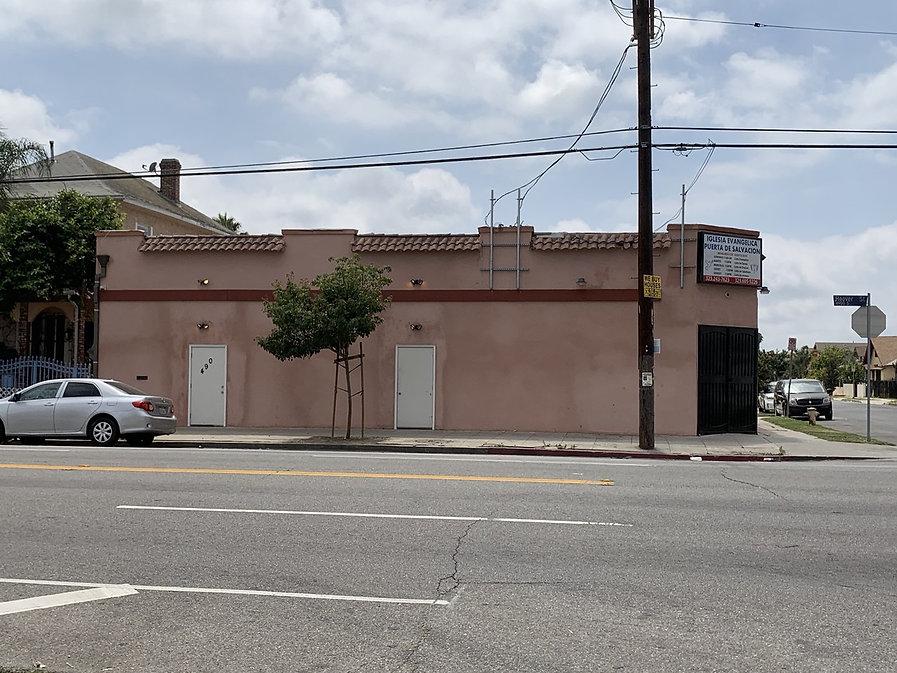 4901 S Hoove Los Angeles.jpg