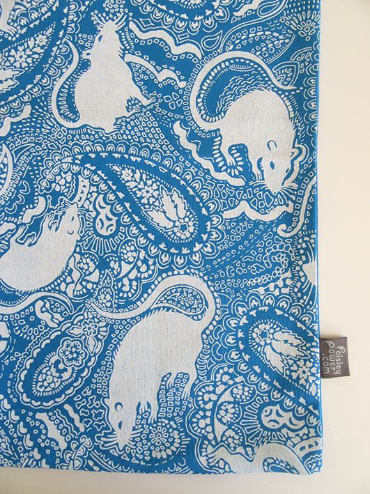 niebieska-tkanina-szczurowa