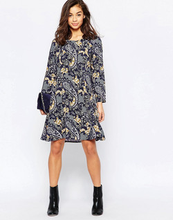 Paisley-dress-print-design-by-Patrick-Moriarty-and-dress-by-Vero-Moda