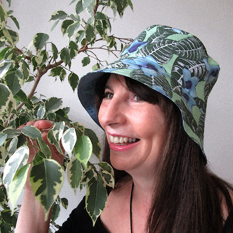 Model wears the first ever Paisley Power women's tropicial hat