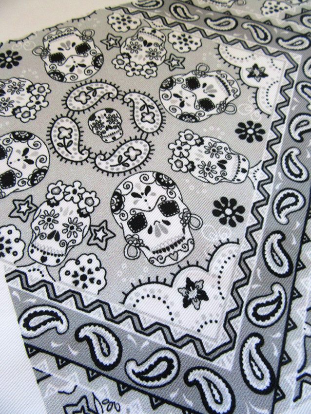 grey-paisley-bandana-design-with-skulls-