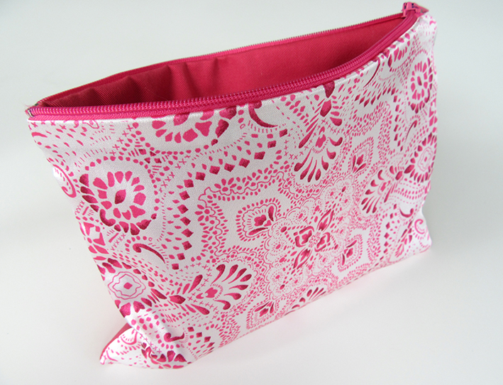 new-fashion-accessory-bag-designed-by-Patrick-Moriarty-for-the-Paisley-Power-brand