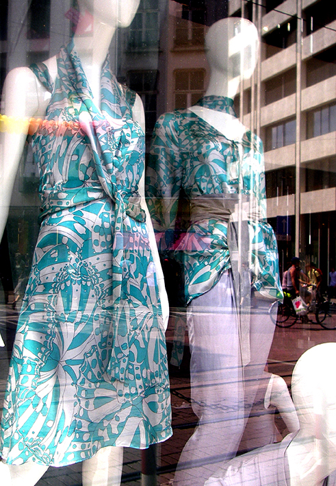 Patrick-Moriarty-Fashion-print-design-Antwerp-shop-window