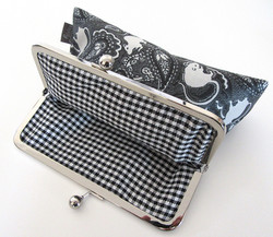 rat pattern bag with plaid lining