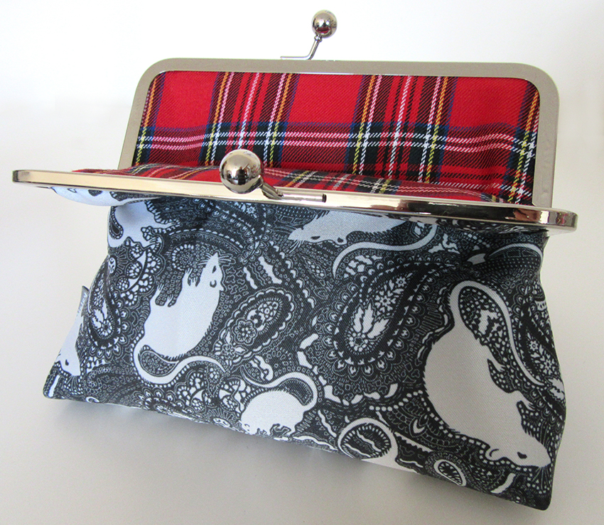 rat clasp bag with tartan lining