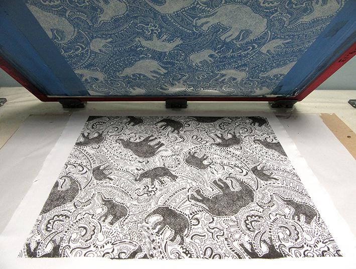 Elephant pattern on silk screen