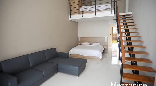 mezzanine room laut biru resort hotel pa