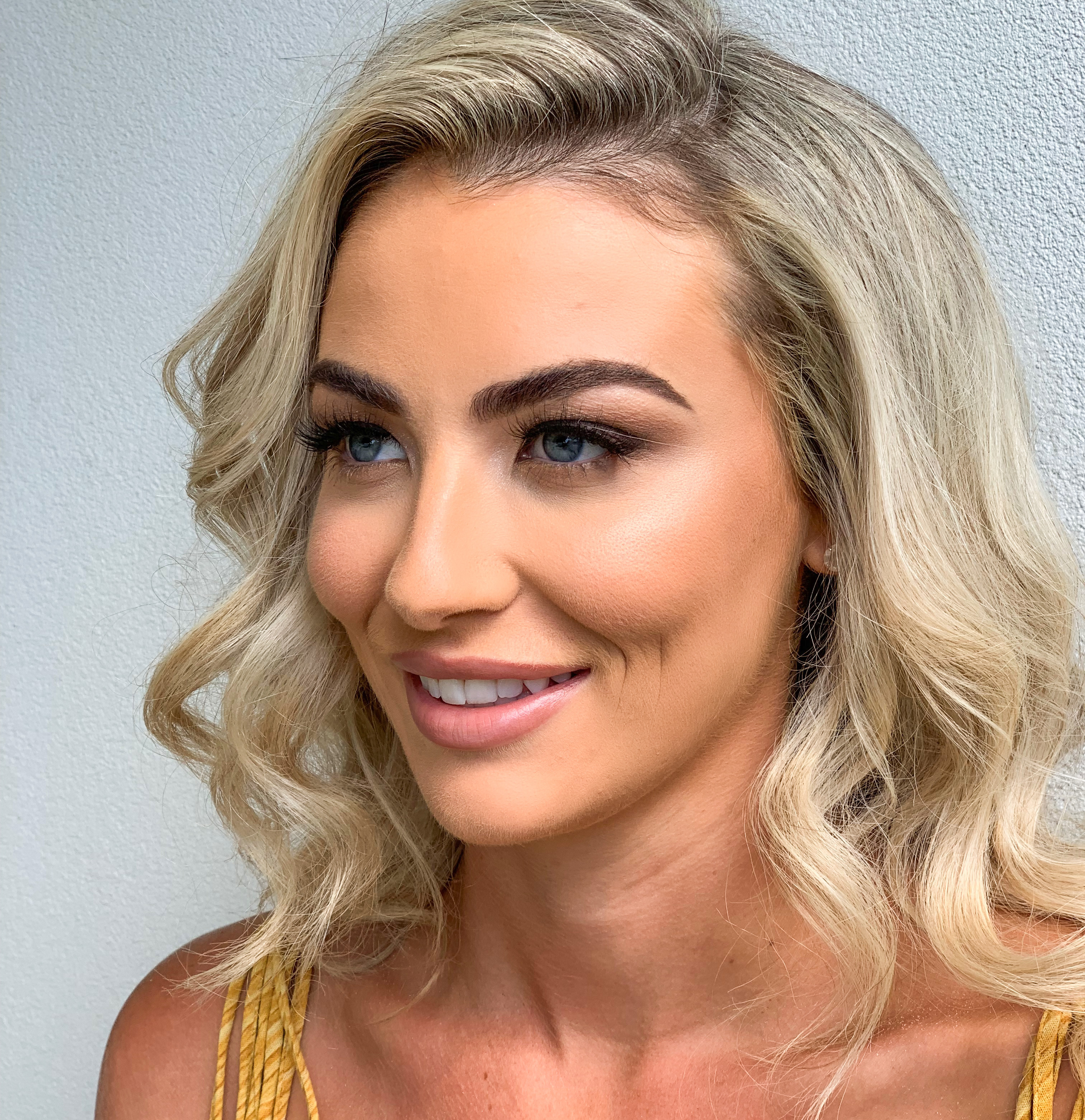 MAKEUP AND HAIR - BASIC GHD STYLING