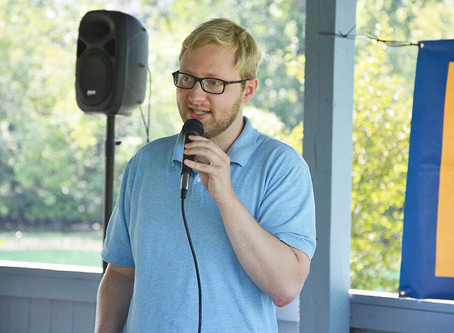 Zach Rakernud speaks in Wahpeton, discusses policy and economy