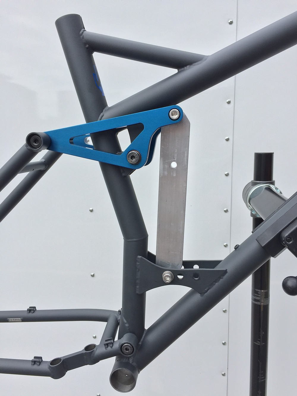"""29"""" Full Suspension Mountain Bike - Completed linkage detail"""