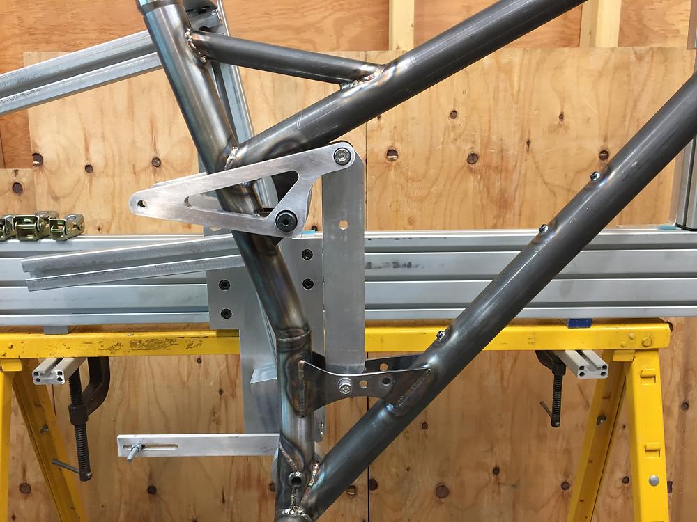 "29"" Full Suspension Mountain Bike - installed link plates"