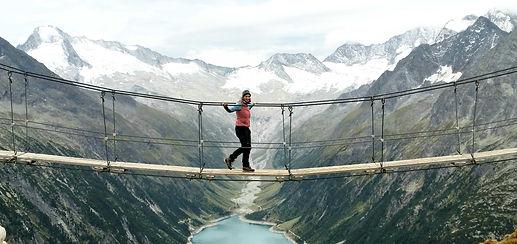 Mareike Eggers Brücke zwischen Bergen
