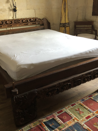 Lit Indonésien: Tête et pied de lit sculpté