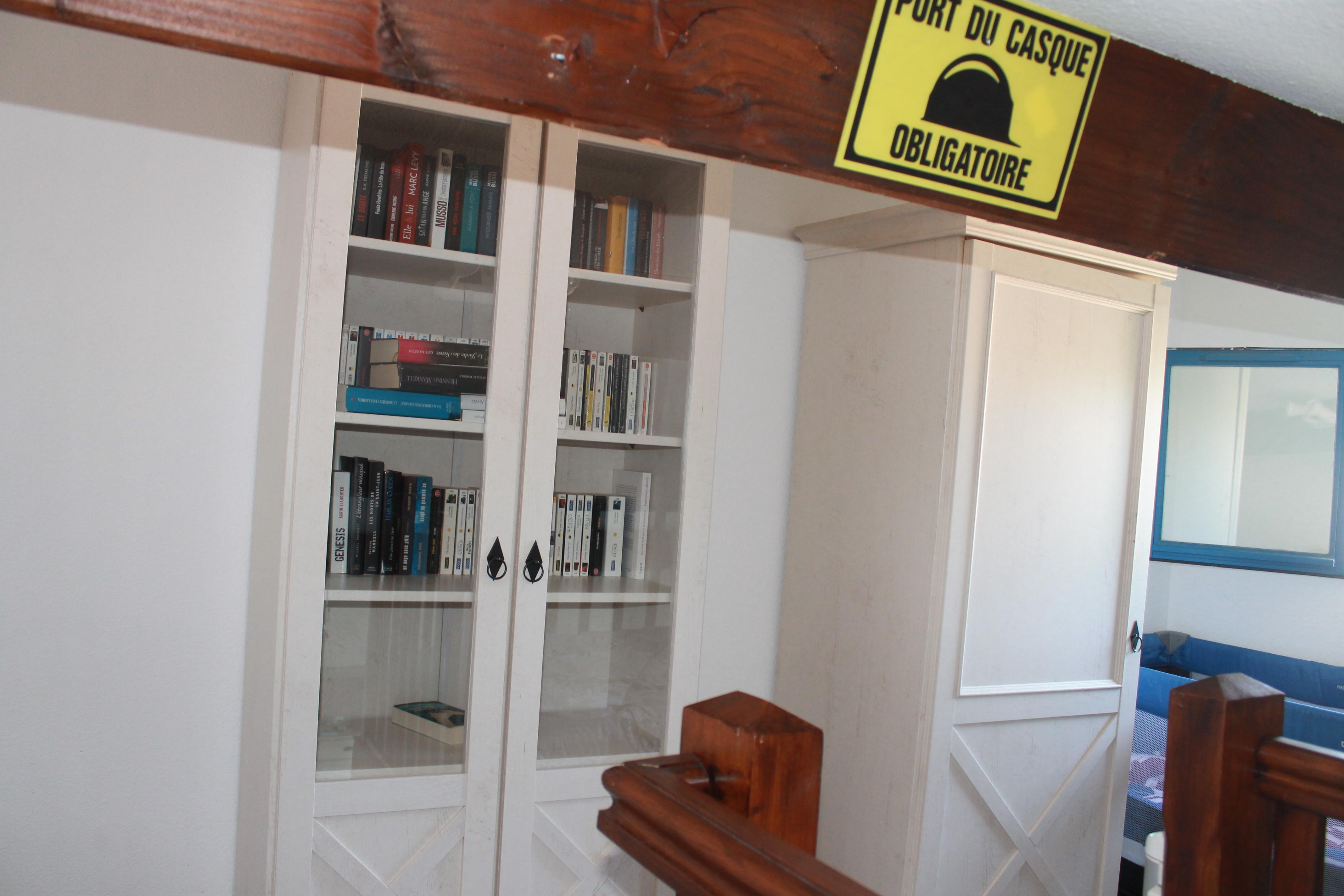 Bibliothèque au 1er étage