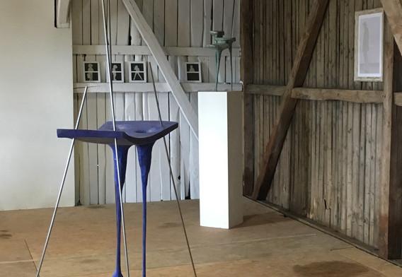 Ausstellungsraum. Zu sehen sind Arbeiten von Ulf Reisener und Sophie Knabe
