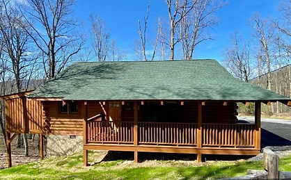 Wheelchair friendly cabin in Pigeon forge, TN, front view