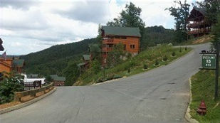 view of steep driveways in log cabin resorts Pigeon Forge, Tennessee