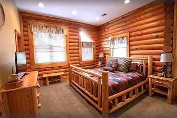 Big bear resort 305, handicapped accessible cabin in Pigeon Forge, bedroom