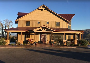 Soaring Eagle Chalet wheelchair accessible cabin rental exterior view, Wears Valley, Sevierville, Pigeon forge, Gatlinburg TN