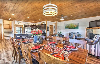 """Pigeon Forge Cabins for Christmas & Holidays """"All Decked Out"""" dining room cabin"""
