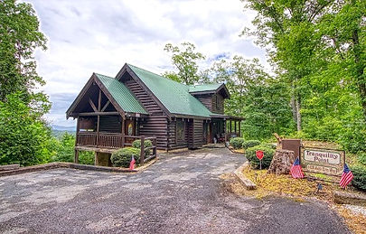 Tanquility Point Gatlinburg Wheelchair Accessible Cabin, exterior view of cabin