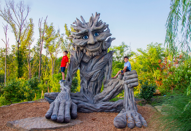 Beloved Willow Man statue at Anakeesta Gatlinburg, Tennessee with kids