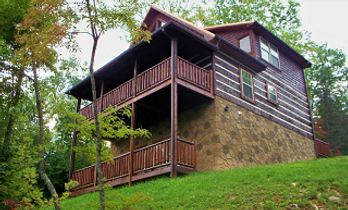 Teddy Bear's Pool Palace Honeymoon cabin in Gatlinburg with Indoor Pool