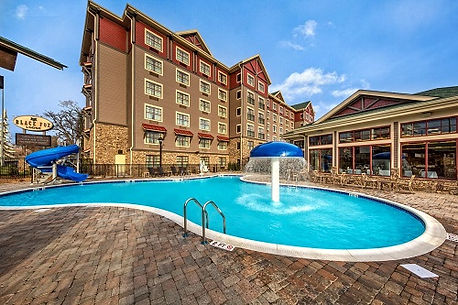 Black Fox Lodge in Pigeon Forge, pool and waterslide