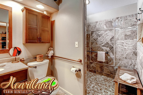 Roll in shower Dolly Bear bathroom, Pigeon Forge and Gatlinburg cabins with roll in showers, handicap accessible cabins