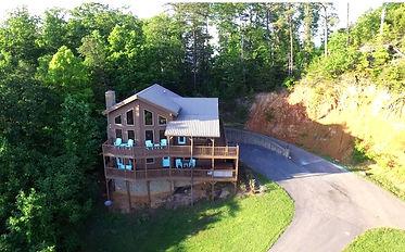 Bear Ridge wheelchair accessible, handicap friendly cabin Pigoen Forge exterior view