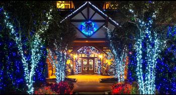 Christmas Inn Pigeon Forge lights sm.png