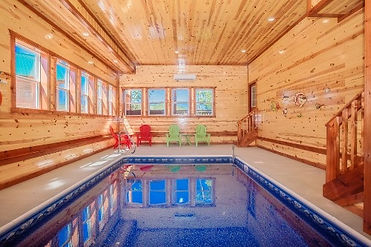 Large Cabin with indoor -pool Magical Mountain Retreat