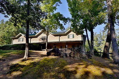 Cheap Group vaction rental, Pigeon Forge large vacation rental near Dollywood, Pigeon Forge tn, exterior view