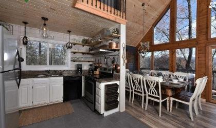 Cabin near Anakeesta in Gatlinburg TN, Aarons Lodge, kitchen view