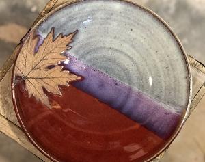 Alewine pottery plate