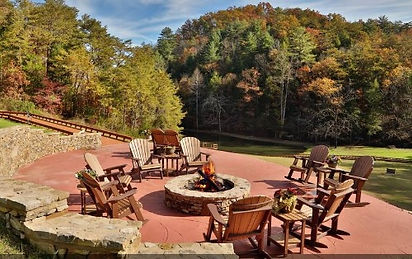 Wheelchair friendly cabin in Pigeon Forge, firepit onsite