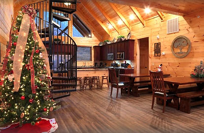 Pigeon forge Cabins for Christmas and Thanksgiving, Summit Vista Lodge Christmas tree and dining room view