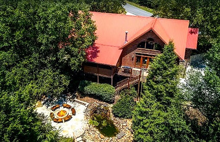 Cadillac creek, Unique cabin in Pigeon Forge, Tennessee, 50's style, exterior shot