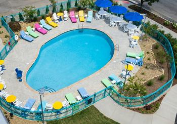Margaritaville Island Inn pool sm.png