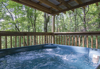 Tiffany Hideaway Pigeon Forge Pet-friendy cabin near Dollywood with hot tub