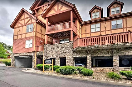 Bear Country Jewel condo Pigeon Forge, wheelchair friendly vacation rental with roll in shower, accessible, exterior view