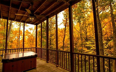 Secluded cabin in Wears Valley, TN, Margaret Hollow hot tub