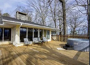 Never Ending views, wheelchair accessible cabin Gatlinburg and Pigeon Forge, wide open deck