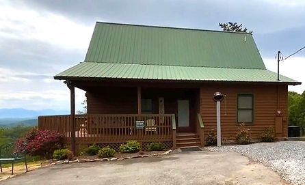 Cabin near The Island in Pigeon Forge, Tennessee, exterior view