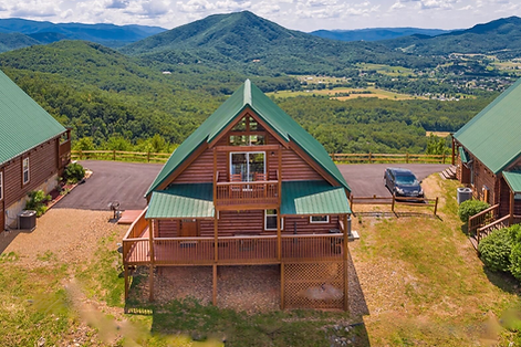 Eagles View cabin with roll in shower, ADA accessible Wears Valley, TN
