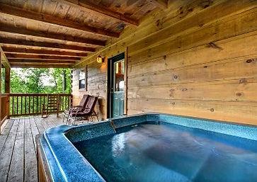 Cabin near Anakeesta in Gatlinburg TN, The Vinson, hot tub on deck r view