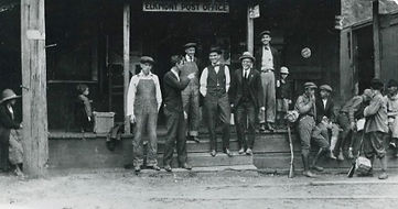 Elkmont Post office 1918, historic photo of people at Elkmont Post office