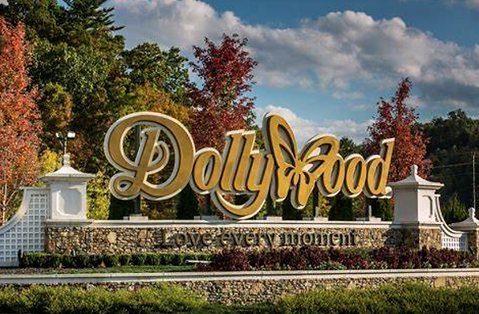 Dollywood sign in Autumn, Fall, Pigeon Forge, tennessee