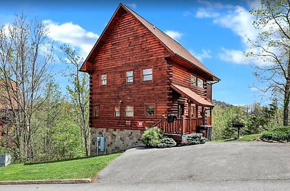 A Taste of Honey Cabin rental in Pigeon Forge, pet friendly cabin near Dollywood